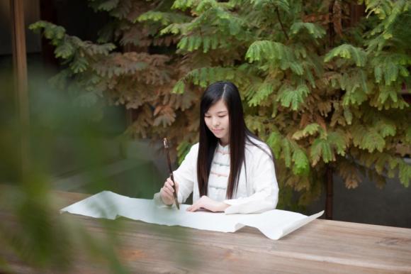 萧清如推新作《存在之美》,在生活中读懂存在之美