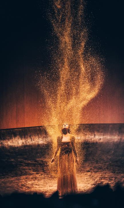 在秋之际,简一邀您品鉴杨丽萍大型舞剧《春之祭》