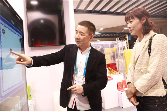 """万事利的新""""丝路"""":让世界领略中国丝绸的魅力"""